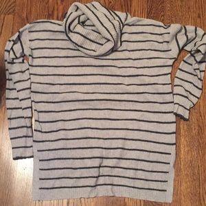 Madewell loose roll turtleneck sweater.